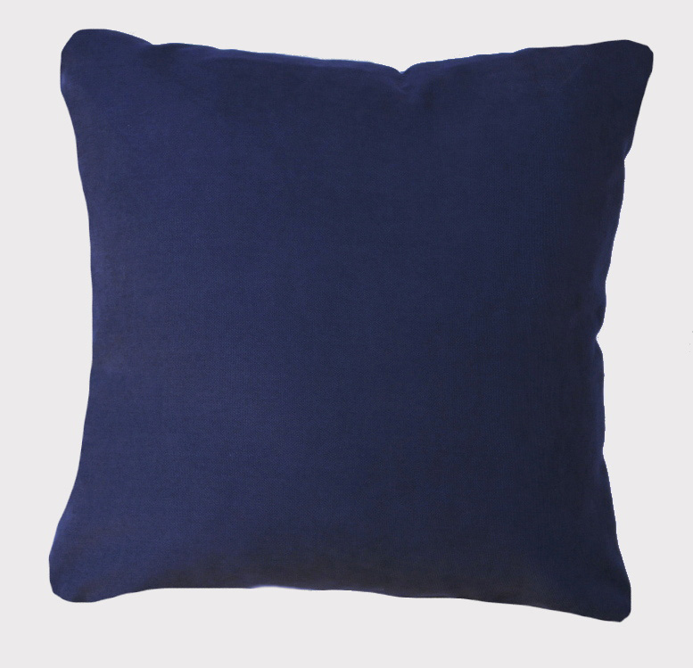 coussin-bleu-fonce-muda-creations