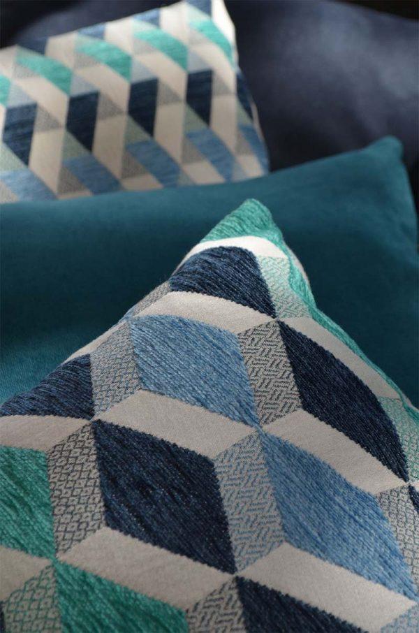 coussin-carre-motifs-bleu-deco