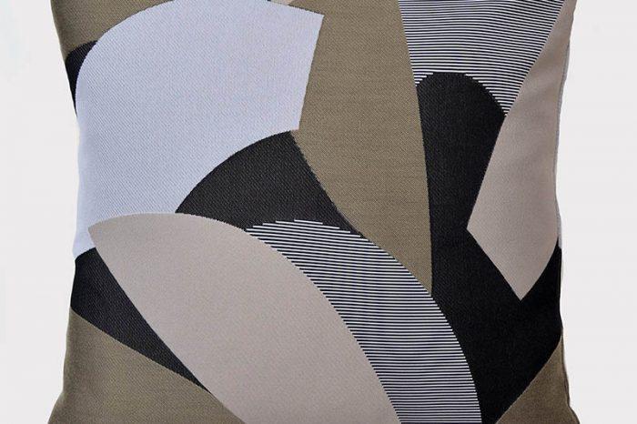 coussin-beige-geometrique-formes-deco