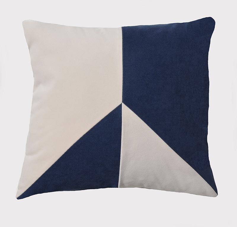 coussin-marine-blanc-bleu-deco
