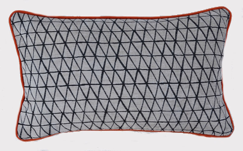 coussin deco-rectangle-quadrillage-noir-blanc-rouge-deco