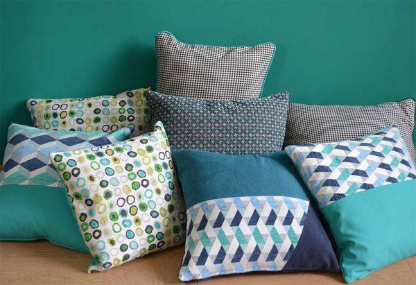 coussin-bleu-vert-imprimes