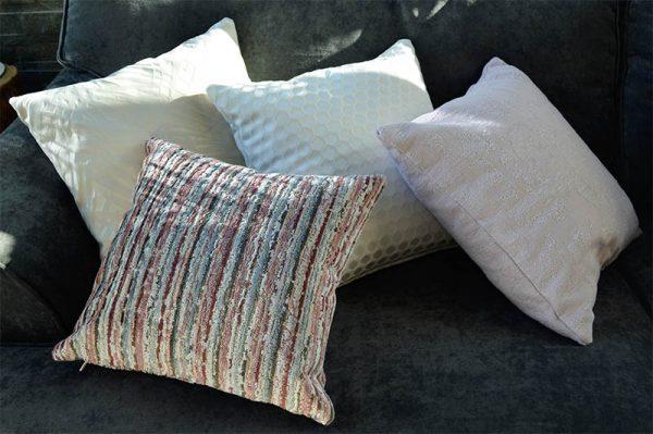 coussin decoration-blanc-ton clair-deco