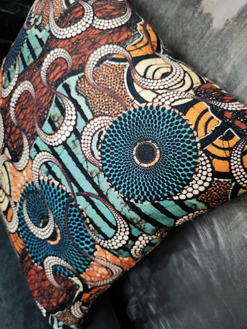 Tissu Jean Paul Gaultier coussin meltingpot terre, tissu jean-paul gaultier