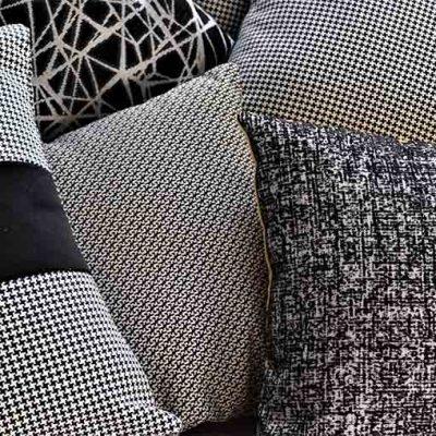 Coussins tendance black & white